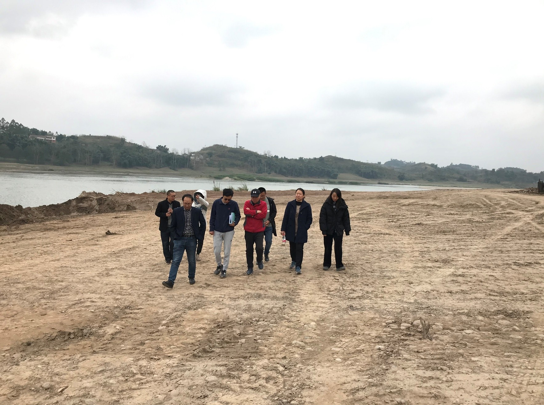 邓霜岭带队深入自贡大安区矿山生态修复项目检查工作